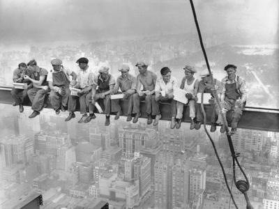 https://imgc.allpostersimages.com/img/posters/new-york-construction-workers-lunching-on-a-crossbeam_u-L-PZS3XS0.jpg?artPerspective=n