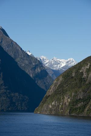 https://imgc.allpostersimages.com/img/posters/new-zealand-fiordland-national-park-milford-sound-known-as-piopiotahi_u-L-PU3H1O0.jpg?p=0