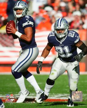 NFL: Dak Prescott & Ezekiel Elliott 2016