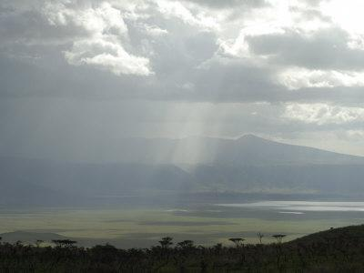 https://imgc.allpostersimages.com/img/posters/ngorongoro-crater-unesco-world-heritage-site-tanzania-east-africa-africa_u-L-P7X2T00.jpg?p=0