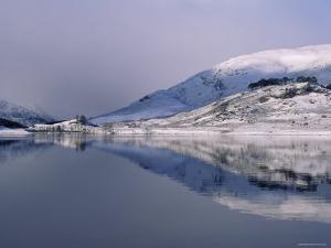 Loch Mullardoch, Glen Cannich, Winter in the Highlands, Scotland Upland Lochs, Snow, Lakes by Niall Benvie