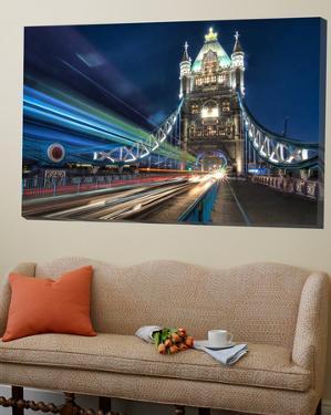 Tower Bridge traffic by Nick Jackson