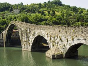 Ponte Del Diavolo or Ponte Della Maddalena, Borgo a Mozzano, Lucca, Tuscany, Italy, Europe by Nico Tondini