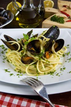 Spaghetti with Mussels (Mytilus Galloprovincialis), Cuisine by Nico Tondini
