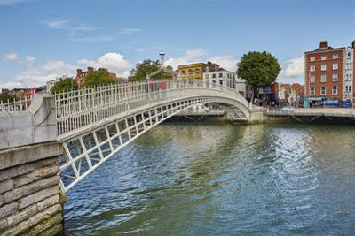 Ha'penny Bridge across the River Liffey, Dublin, Republic of Ireland, Europe by Nigel Hicks