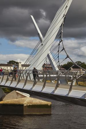 Peace Bridge, across the River Foyle, Derry (Londonderry), County Londonderry, Ulster, Northern Ire by Nigel Hicks