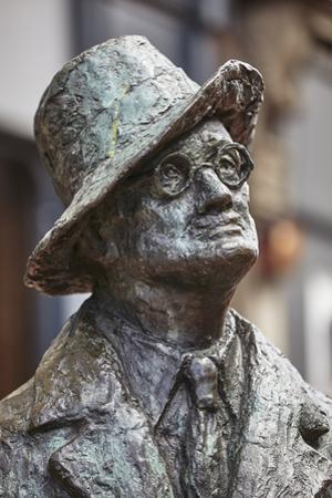 Statue of James Joyce, O'Connell Street, Dublin, Republic of Ireland, Europe by Nigel Hicks