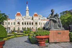Vietnam, Ho Chi Minh Province, Ho Chi Minh City by Nigel Pavitt