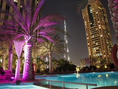 https://imgc.allpostersimages.com/img/posters/night-view-of-burij-khalifa-tower-dubai-united-arab-emirates-middle-east_u-L-PFO18Z0.jpg?p=0