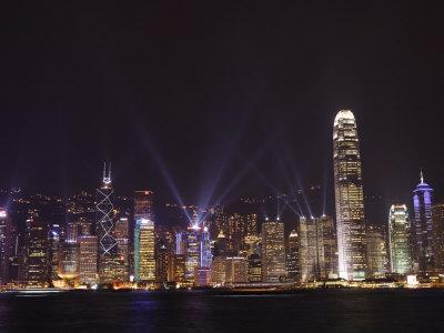 https://imgc.allpostersimages.com/img/posters/nightly-sound-and-light-show-over-hong-kong-island-skyline-hong-kong-china_u-L-P7O3GW0.jpg?artPerspective=n
