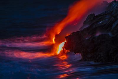 https://imgc.allpostersimages.com/img/posters/nighttime-lava-flow-the-big-island-kilauea-hawaii-usa_u-L-PN6NPL0.jpg?p=0