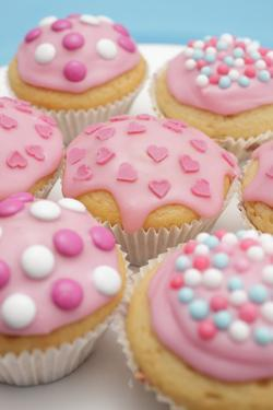 Of Muffin, Icing, Pink, Hearts, Chocolate Beans, Sugar Pearls, Detail, Blur by Nikky