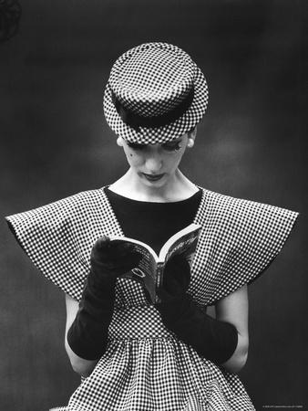 Woman Wearing Wide Shoulder Fashion Look