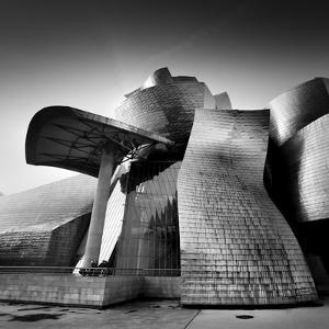Guggenheim Bilbao by Nina Papiorek