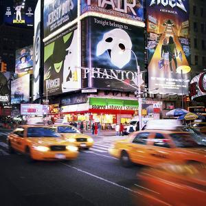 NYC Taxi Taxi by Nina Papiorek