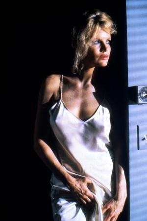 https://imgc.allpostersimages.com/img/posters/nine-1-2-weeks-1986-directed-by-adrian-lyne-kim-basinger-photo_u-L-Q1C11UE0.jpg?artPerspective=n
