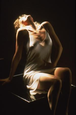https://imgc.allpostersimages.com/img/posters/nine-1-2-weeks-1986-directed-by-adrian-lyne-kim-basinger-photo_u-L-Q1C12K50.jpg?artPerspective=n