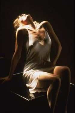 NINE 1/2 WEEKS, 1986 directed by ADRIAN LYNE Kim Basinger (photo)