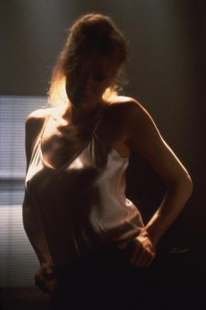 https://imgc.allpostersimages.com/img/posters/nine-1-2-weeks-1986-directed-by-adrian-lyne-kim-basinger-photo_u-L-Q1C13740.jpg?artPerspective=n