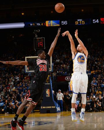 Chicago Bulls v Golden State Warriors by Noah Graham