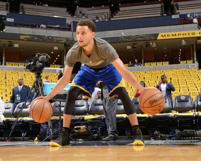 Golden State Warriors v Memphis Grizzlies - Game Four by Noah Graham