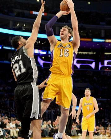 Mar 19, 2014, San Antonio Spurs vs Los Angeles Lakers - Pau Gasol by Noah Graham