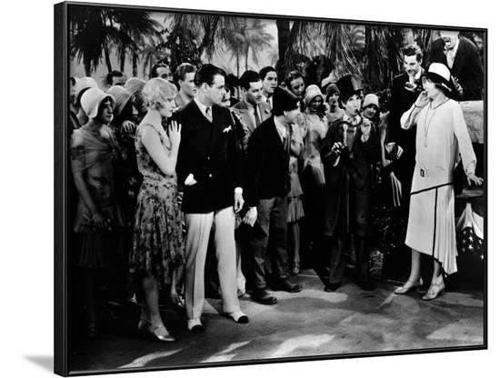 Noix by coco (The COCOANUTS) by Robert Florey and Joseph Santley with The Marx Brothers, 1929 (b/w --Framed Photo