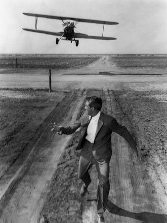 https://imgc.allpostersimages.com/img/posters/north-by-northwest-1959-directed-by-alfred-hitchcock-cary-grant-b-w-photo_u-L-Q1C16LN0.jpg?artPerspective=n