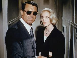 NORTH BY NORTHWEST, 1959 directed by ALFRED HITCHCOCK Cary Grant / Eva Marie Saint (photo)