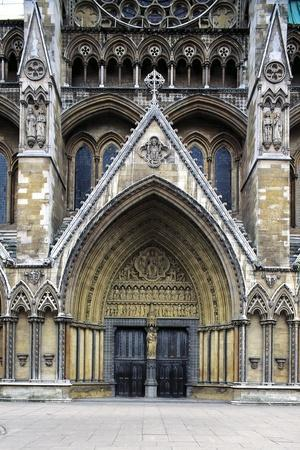 https://imgc.allpostersimages.com/img/posters/north-entrance-westminster-abbey_u-L-PP9TZN0.jpg?p=0