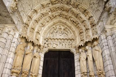 https://imgc.allpostersimages.com/img/posters/north-gate-chartres-cathedral-chartres-eure-et-loir-france_u-L-Q1GYJB00.jpg?artPerspective=n