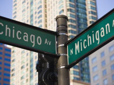 https://imgc.allpostersimages.com/img/posters/north-michigan-avenue-and-chicago-avenue-signpost-the-magnificent-mile-chicago-illinois-usa_u-L-P7O11C0.jpg?p=0