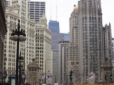 https://imgc.allpostersimages.com/img/posters/north-michigan-avenue-the-magnificent-mile-chicago-illinois-usa_u-L-P7O30W0.jpg?p=0