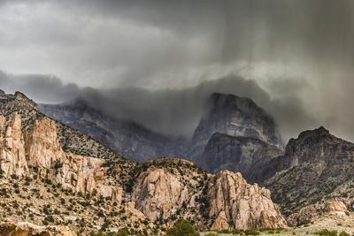 https://imgc.allpostersimages.com/img/posters/notch-peak-of-sawtooth-mountain-in-utah_u-L-Q1BBNH40.jpg?p=0