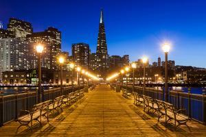 Pier 7 in San Francisco by nstanev