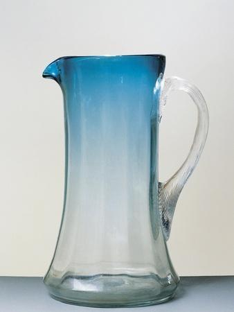 https://imgc.allpostersimages.com/img/posters/nuance-carafe-glass-ca-1915-italy_u-L-POPACX0.jpg?p=0