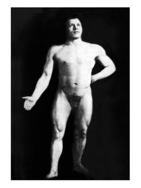 Nude Bodybuilder