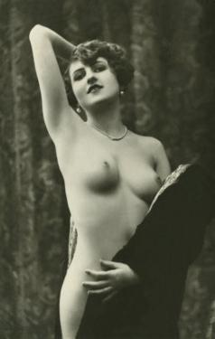 Nude Showing Armpit