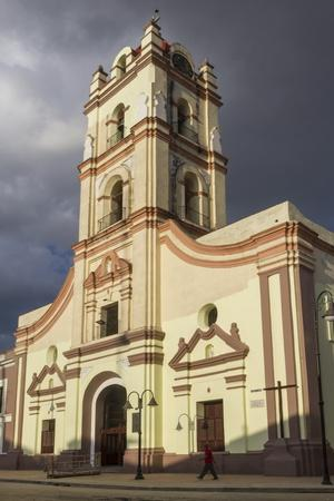 https://imgc.allpostersimages.com/img/posters/nuestra-senora-de-la-merced-church-camaguey-cuba-west-indies-caribbean-central-america_u-L-PQ8T2N0.jpg?artPerspective=n