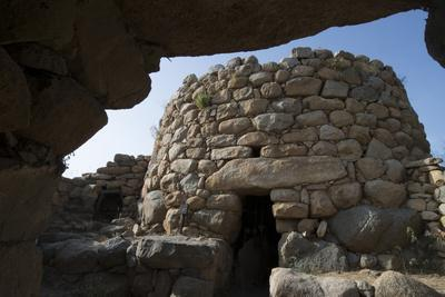 https://imgc.allpostersimages.com/img/posters/nuraghe-la-prisgiona-archaeological-site-dating-from-1300-bc-near-arzachena-sardinia-italy_u-L-PWFDPI0.jpg?p=0