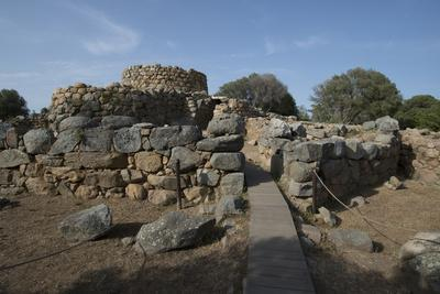 https://imgc.allpostersimages.com/img/posters/nuraghe-la-prisgiona-archaeological-site-dating-from-1300-bc-near-arzachena-sardinia-italy_u-L-PWFDR60.jpg?p=0