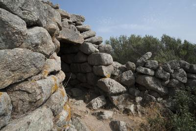 https://imgc.allpostersimages.com/img/posters/nuraghe-tuttusoni-one-of-the-nuraghic-ruins-in-the-province-of-gallura-sardinia-italy_u-L-PWFEFJ0.jpg?p=0