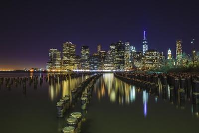 https://imgc.allpostersimages.com/img/posters/nyc-from-dumbo-brooklyn_u-L-Q1CAVZK0.jpg?artPerspective=n