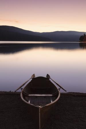 https://imgc.allpostersimages.com/img/posters/oar-boot-on-the-schluchsee-at-sundown-black-forest-baden-wurttemberg-germany_u-L-Q1EY4EC0.jpg?artPerspective=n