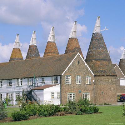 https://imgc.allpostersimages.com/img/posters/oast-houses-whitbread-hop-centre-east-peckham-kent-england_u-L-P2QVQL0.jpg?p=0