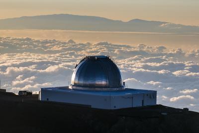 https://imgc.allpostersimages.com/img/posters/observatory-on-mauna-kea-at-sunset-big-island-hawaii-united-states-of-america-pacific_u-L-PQ8OFN0.jpg?p=0