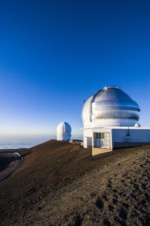 https://imgc.allpostersimages.com/img/posters/observatory-on-mauna-kea-big-island-hawaii-united-states-of-america-pacific_u-L-PQ8SUB0.jpg?p=0