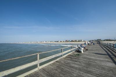 https://imgc.allpostersimages.com/img/posters/oceanana-fishing-pier-atlantic-beach-outer-banks_u-L-PXXQ7O0.jpg?p=0