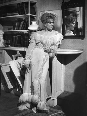 OF HUMAN BONDAGE, 1964 directed by KEN HUGHES Kim Novak (b/w photo)