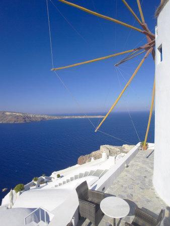 https://imgc.allpostersimages.com/img/posters/oia-santorini-cyclades-greek-islands-greece-europe_u-L-P7X1IS0.jpg?artPerspective=n